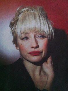 Love the make up & love the hair. Finnish singer Chisu / Photo: Kai Sinervo for Helsingin Sanomat Newspaper.