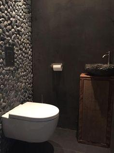 Toilet in Beton Cire. Door Beton Cire Cemtrum