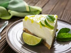 This gin and tonic cheesecake is the boozy bake of your dreams