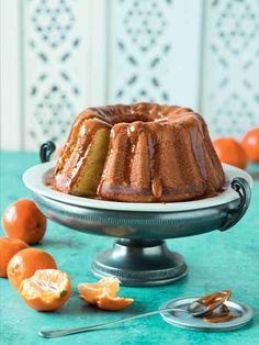 Mandarinka v dezertech vždy zazáří! Lze použít jak kůru (z bio mandarinek), tak šťávu. Šťáva se upotřebí nejen v těstě, ale také v polevách místo citronu či pomeranče. Mandarinkovou kůru lze také snadno kandovat. Kandi, Waffles, Pudding, Breakfast, Food, Pineapple, Lemon, Morning Coffee, Meal
