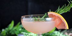 5 of 32 St. Germain, the famous elderflower liqueur, and gin are frequently used together, but this cocktail takes the sophisticated pairing a step farther with the introduction of lavender, lemon and champagne. Recipe: Z Gallerie Best Gin Cocktails, Cocktails To Try, Gin Cocktail Recipes, Craft Cocktails, Cocktail Drinks, Alcoholic Drinks, Gin Recipes, Alcohol Drink Recipes, Elderflower