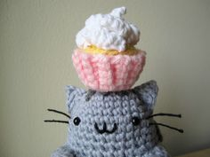 Happy birthday to Samwise! The original plan was for Pusheen to hold the mini cupcake, but his front legs aren't long enough. Pusheen brought real cupcakes, too. :)  Pusheen Pattern: 10…