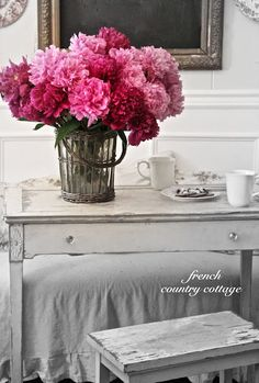 FRENCH COUNTRY COTTAGE: Peonies in the Kitchen