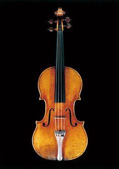 (財)日本音楽財団は、一流の演奏家に最高峰の弦楽器を無償で貸与し、西洋クラシック音楽の普及・振興に勤めています。
