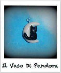 Fimo, Gattino sulla Luna, disponibile come orecchini, collana, portachiavi, braccialetto