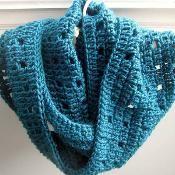 Easy Crochet Cowl - via @Craftsy