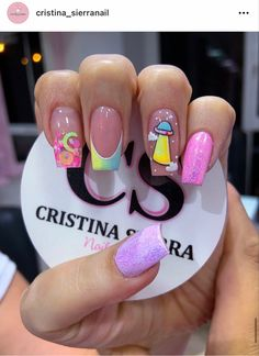 Chic Nails, Class Ring, Manicure, Angeles, Nail Designs, Lily, Make Up, Beauty, Beautiful