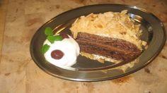 Karamelový koláč posypaný mandľami / http://www.igurman.com