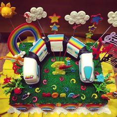 Super torta de Junior Express!!!! Te esperamos con las más lindas novedades!! #cotillon #tortas #adornos #colores #juniorexpress #disney #topa #cumpleaños #festejo #felicidad #alegria Disney Junior, Junior Express, Yoshi, Ideas Para, Gift Wrapping, Baby Shower, Table Decorations, Halloween, Day