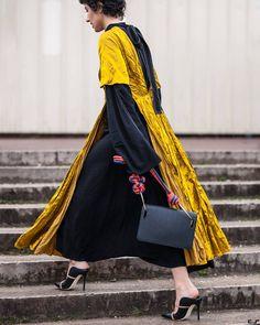 Yasmin Sewell @yasminsewell before @hermes FW17 Paris Fashion Week  by #chrissmart  www.csmartfx.com  #PFW #PFW17 #AW17 #FW17 #StreetStyle #Fashion #FashionWeek #paris #parisfashionweek #moda #mode #ootd #fashionlook #womensfashion #beauty #street #womenswear #chic #style #pfw2017 #yasminsewell