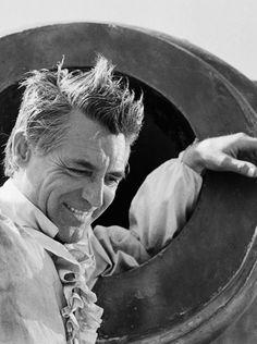 """Cary Grant en el rodaje de """"Orgullo y Pasión"""" (The Pride and the Passion), 1957"""