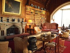 I would like to have my tea here. The Library - Tyntersfield - Wraxall - Somerset - England English Interior, English Decor, Beautiful Interiors, Beautiful Homes, Library Study Room, Belton House, Somerset England, Home Room Design, Grand Homes