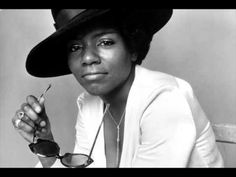Gloria Gaynor - Can't Take My Eyes Off of You
