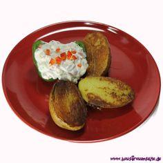 Frühlingsquark mit gebratenen Kartoffeln Frühlingsquark mit Kräutern, bunter Paprika und Frühlingszwiebeln vegetarisch glutenfrei