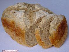 Pain complet au levain naturel  MAP Ingrédients:        220 g d'eau      4 g de sel (3/4 de cuillère à café)      210 g de farine de blé T55      210 g de farine de blé T110 bio      20 g de sucre (1.5 cuillères à soupe)      150 g de levain naturel
