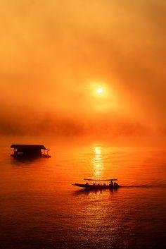orange.quenalbertini: Orange sky & sea