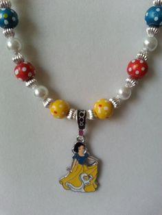 Beautiful Snow White necklace