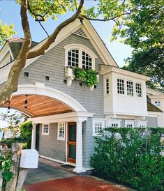 If you are looking for Modern Farmhouse Exterior Design Ideas, You come to the right place. Below are the Modern Farmhouse Exterior Design Ideas. Cute House, My House, Villa, Modern Farmhouse Design, Modern Cottage, Cottage Farmhouse, Farmhouse Decor, Inviting Home, Dream House Exterior