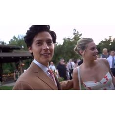 Bughead Riverdale, Riverdale Funny, Riverdale Memes, Riverdale Tumblr, Cole Sprouse Hot, Cole Sprouse Jughead, Dylan Sprouse, Betty Cooper, Riverdale Betty And Jughead