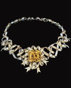 the Tiffany necklace Audrey Hepburn wore at Breakfast at Tiffanys