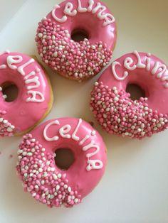 Geboorte donuts #Celina ❤️ Minnie Birthday, Birthday Treats, Boy Birthday, Doughnut, Mini Donuts, Baby Sister, Reveal Parties, Food Gifts, Baby Shower Parties