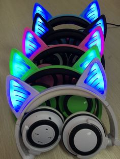 Glory® - BLUETOOTH LED CAT EAR HEADPHONES (Wireless & Rechargeable) - 2017