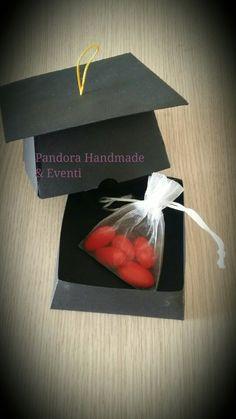 Scatolina portaconfetti laurea by Pandora Handmade & Eventi
