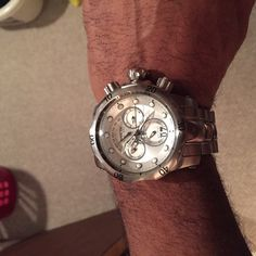 Men's Invicta venom reserve model 1537 Great condition only wore 2 times. This would be a great Father's Day present! Jewelry