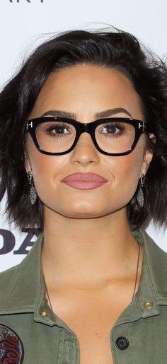 Maquiagem, Cabelo, Demi Lovato Cabelo Curto, Maquiagem No Tapete Vermelho,  Honda Civic d093cca850
