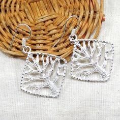 #jewelry #jewel #cosmocrafter #bijoux #indianjewelry #bijouxindiens #women #india #handmadejewelry #accessories #fashion #madeinIndia #followus #jaipur #hippiestyle #silver #argent #jewelrygram #faitmain #jotd #jewelryoftheday#summervibes #earring #bouclesdoreilles