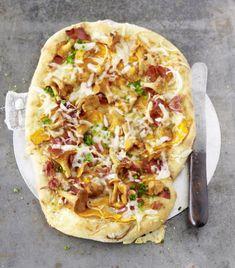 Alpen-Pizza mit Pfifferlingen und Speck - [ESSEN UND TRINKEN]
