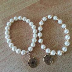 #mulpix Pulseras de perlas dijes padre nuestro en oro laminado  #coquetas #preciosas #sencillas #cesyscreaciones #bycesarinahernandez