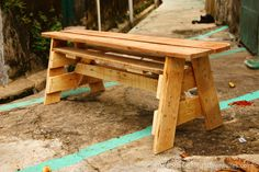 Woodworking for Mere Mortals: Free videos and plans. : Cool pallet bench design