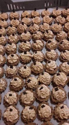Bakery Recipes, Dessert Recipes, Desserts, Mini Tart, Garlic Bread, Wok, Cereal, Muffin, Food And Drink