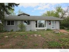 71 ROBINSON CRES, Regina, Saskatchewan  S4R3R1 Shed, Houses, Outdoor Structures, Homes, Lean To Shed, Coops, Barns, Home, Sheds