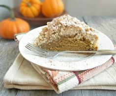 Pumpkin Crumb Cake - 30 Delicious Thanksgiving Deserts and Drinks Recipes