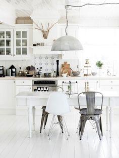 white-kitchen_La-La-Lovely