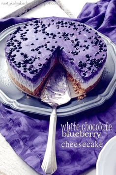 white chocolate bluebery, not baked cheese cake. One of the most delicious cheese I've ever had! Blueberry Recipes, Blueberry Cheesecake, Cheesecake Recipes, Cheesecake Cake, Blueberry Pancakes, Food Cakes, Cupcake Cakes, Cupcakes, Köstliche Desserts