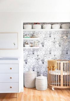 cute, removable animal wallpaper for the nursery