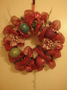 24 inch Christmas wreath. . With lights