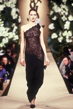 Yves Saint Laurent Paris, Saint Laurent Dress, St Laurent, 1999 Fashion, Runway Fashion, High Fashion, Style Couture, Couture Fashion, Romantic Woman