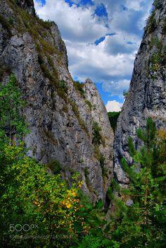 Tran Gorge by rossitsa