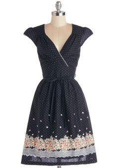 Wildflower Photographer Dress | Mod Retro Vintage Dresses | ModCloth.com