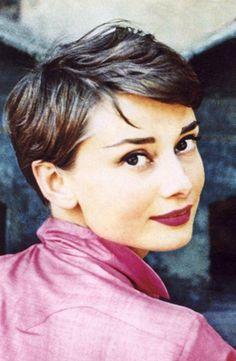 1955 Audrey Hepburn - Photo by Philippe Halsman