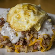 When my son was in the army he would eat breakfast in the mess hall. He used to combine all these individual ingredients and make them into what he called hobo hash. Brunch Recipes, Breakfast Recipes, Breakfast Ideas, Dinner Recipes, Campfire Desserts, Campfire Food, Crockpot Recipes, Cooking Recipes, Sausage Gravy