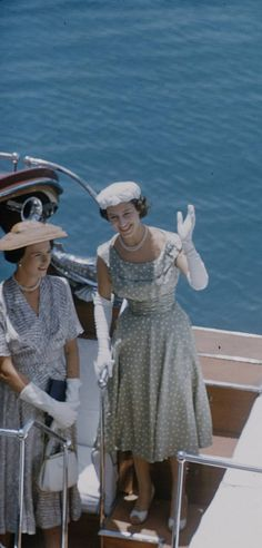September - October 1956 - Princess Margaret carried out a tour of the British Colonies in East Africa, including visits to Mauritius, Zanzibar, Tanganyika and Kenya Royal Princess, Princess Style, Lady Sarah Chatto, Queen's Sister, Young Queen Elizabeth, Noble People, Margaret Rose, Royal Photography, British Monarchy