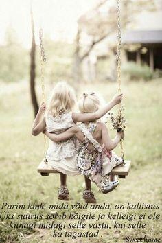 Parim kink, mida võid anda, on kallistus : Üks suurus sobib kõigile ja kellelgi ei ole kunagi midagi selle vastu, kui selle ka tagastad