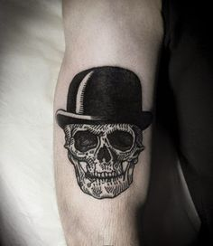 40 Interesting Skull Tattoo Designs For You | http://www.berlinroots.com/interesting-skull-tattoo-designs-for-you/