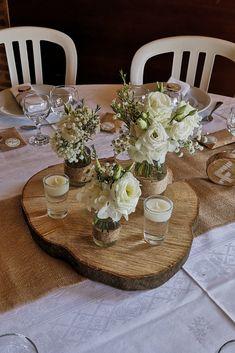 15 centerpiece ideas with flowers - New sites Wedding Table Decorations, Wedding Centerpieces, Centerpiece Flowers, Centerpiece Ideas, Deco Table Champetre, Table Centers, Botanical Wedding, Bohemian Decor, Communion