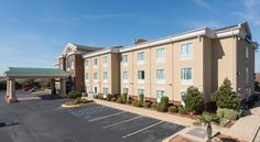 Baymont Inn & Suites Montgomery South Montgomery Located in Montgomery, this Baymont Inn & Suites Montgomery South is only 12 miles from Garrett Coliseum. It has an outdoor pool, a fitness center, and offers air-conditioned guestrooms with a microwave and free Wi-Fi.